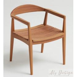 Cadeira Hália com Braço em Madeira Cumaru - Design Daniela Ferro